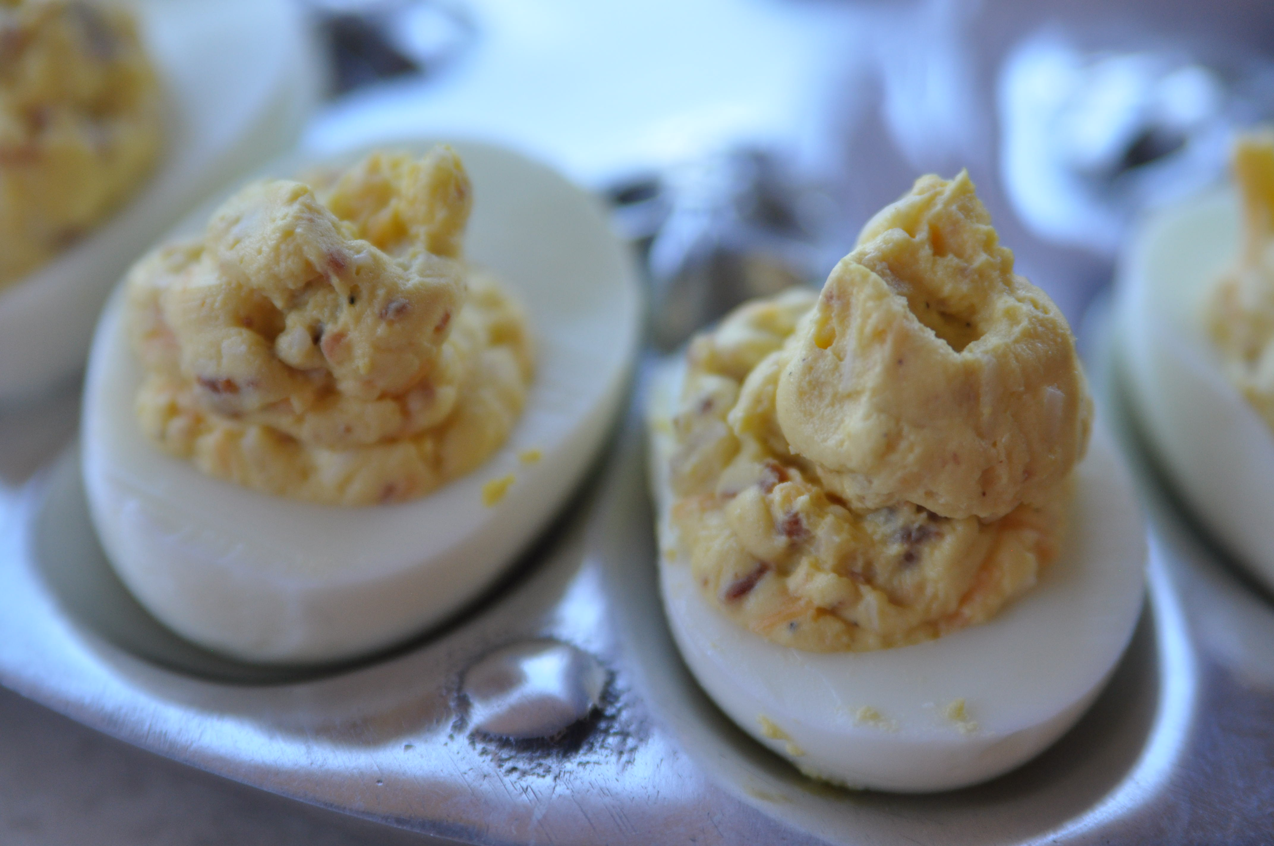 Bacon Cheddar Deviled Eggs | Mama, Can I Lick the Spoon?