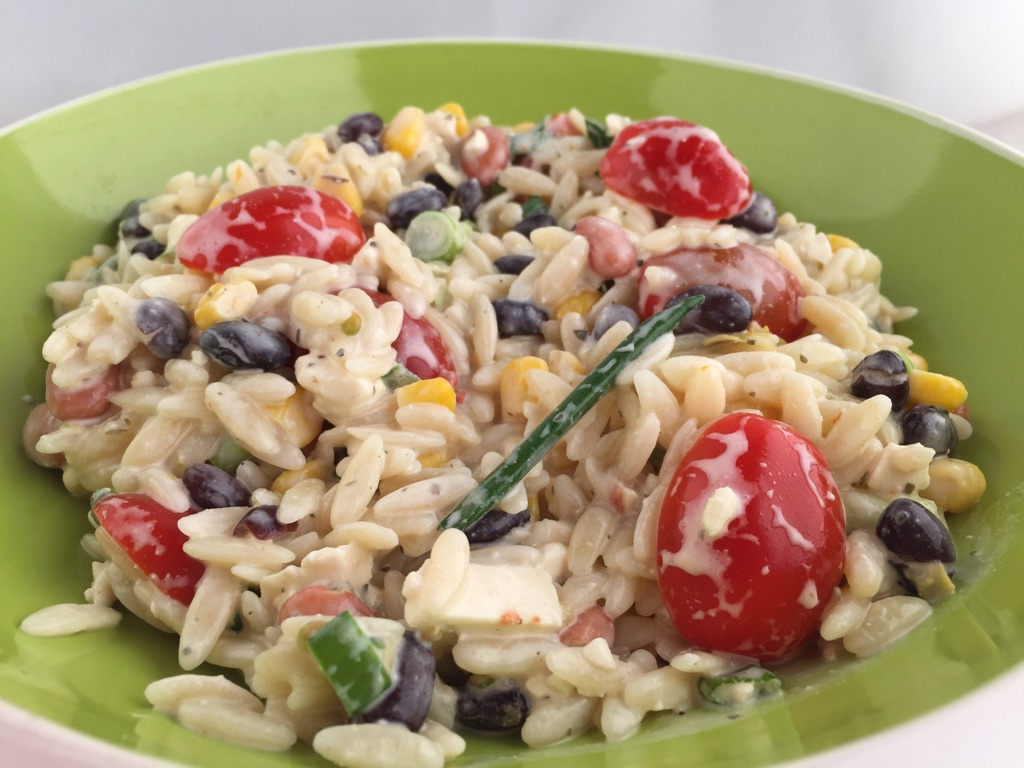 Slightly Southwestern Summer Orzo Salad | Mama, Can I Lick the Spoon?